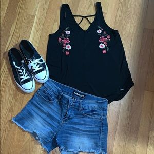 Hollister Embroidered floral tank 🌺
